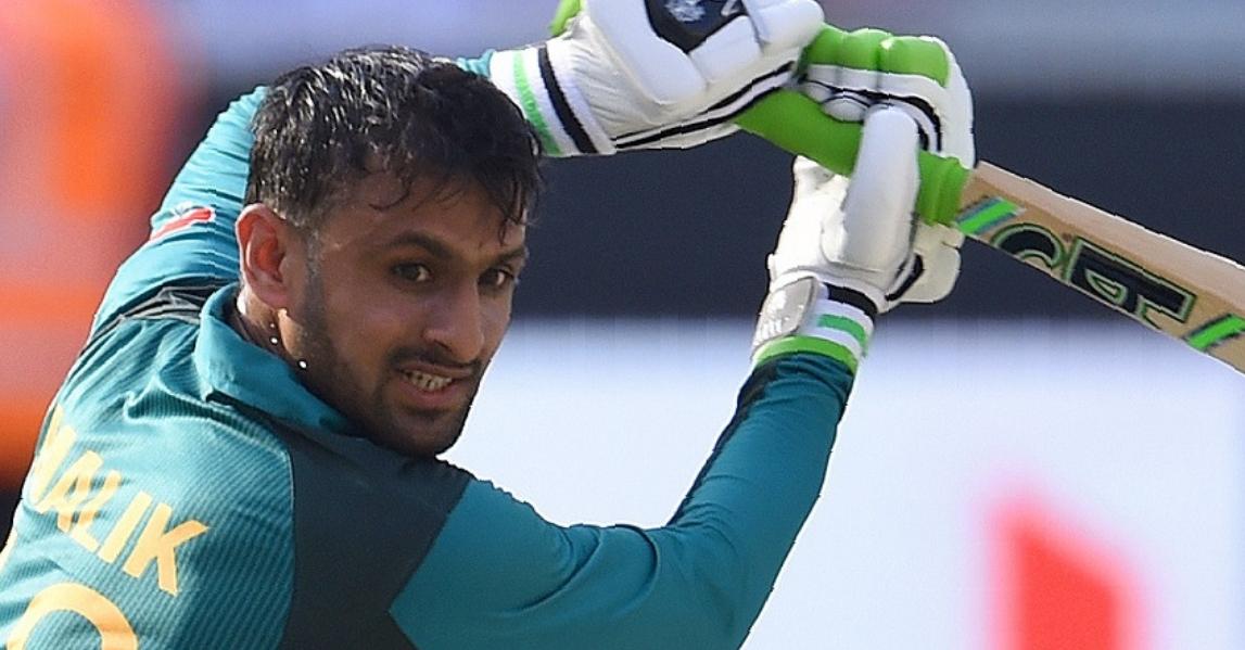 Watch Shoaib Malik's reaction when Indian fan called him