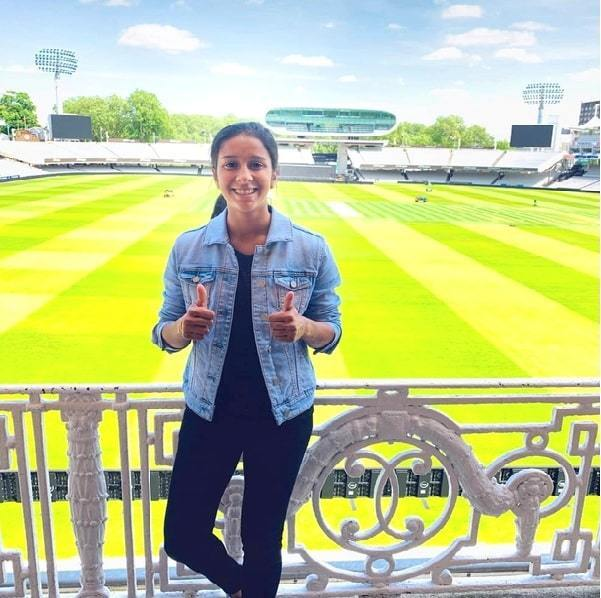 cricketer india woman